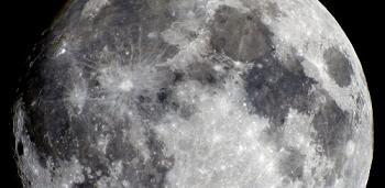 El 24 de diciembre, la Luna y Marte brindarán un maravilloso espectáculo nocturno.